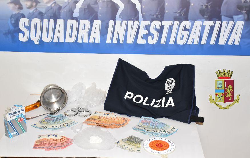Mazara, la Polizia arresta un mazarese per detenzione di cocaina all'interno di una attività commerciale