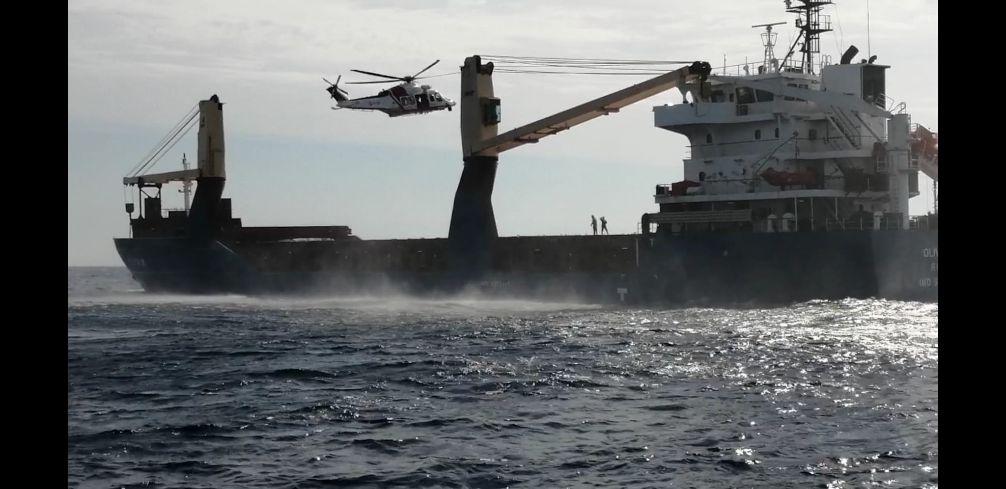 Elicottero della Guardia Costiera effettua un delicato intervento di soccorso in favore di un marittimo colto da ictus cerebrale