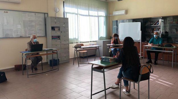 Maxi orale di un'ora e mascherine, tutte le regole per l'esame di maturità 2021