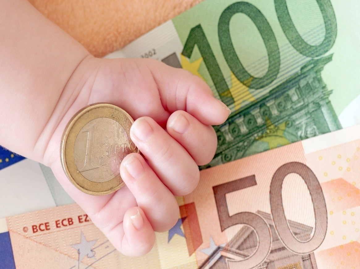 In Sicilia mille euro per ogni nuovo nato, anche quest'anno arriva il bonus figli: i requisiti