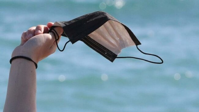 Dal 28 giugno stop all'0bbligo di usare le mascherine all'aperto