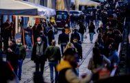L'Italia da domani in zona bianca, via alle mascherine all'aperto